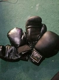 2 pair of boxing gloves  Silver Spring, 20902