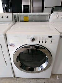 white front-load clothes washer 894 mi