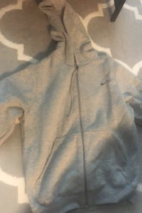 Small nike zip up sweater Vancouver, V6B 0E6