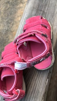 toddler's pink velcro shoes Cohutta, 30710