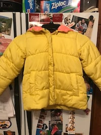 Yellow zip-up bubble jacket