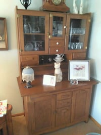 brown wooden cabinet with hutch Salem, 44460