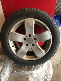 Selling set of High end Pirelli winter performance tires- 205/55/R16 554 km
