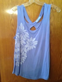 Size Large Floral Appliqué Top Winnipeg, R2K 3N4