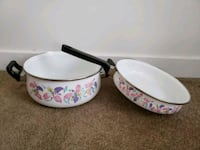 Vintage enamel cookware Madison Heights, 48071