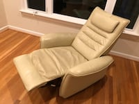 Comfy chair  Chevy Chase, 20815