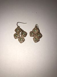 pair of gold-colored earrings Camillus, 13031