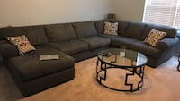 Sectional Sofa w/ 3 tables & pillows Norfolk, 23503