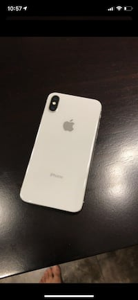 Unlocked iPhone X 64gb mint with box Toronto, M8W 1V7