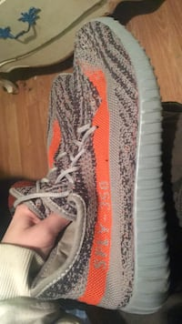 Pair of gray adidas yeezy boost 350 v2 size 9 or willing to trade London, N5W 3K2