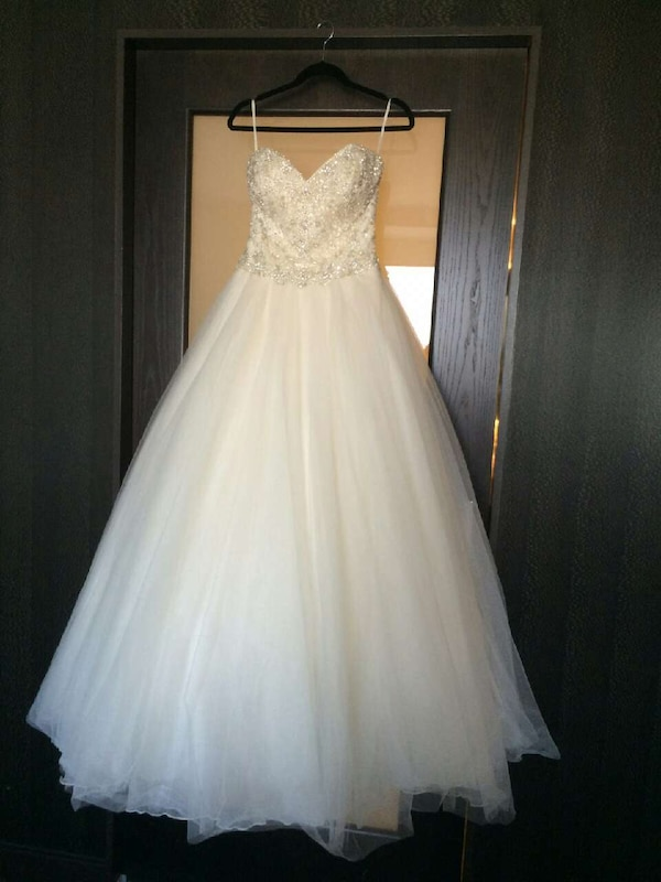 Used Pronovias Ball Gown for sale in Los Angeles - letgo