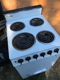 """20"""" Stove in need of TLC Portland, 97216"""