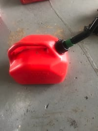 2 Gallon gas container