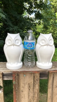 Three white ceramic candle holders Langley, V1M 3S1