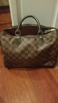 Reall!! LV bag in great condition paid $900 for it  Jersey City, 07306
