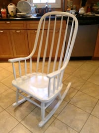 Wooden rocking chair Saddle Brook, 07663
