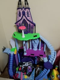 green, pink and purple doll house Kent, 98042