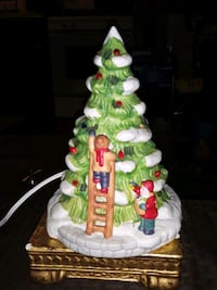 VINTAGE PORCELAIN 9IN TALL CHRISTMAS TREE PLUG IN