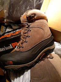 The north face winter boots  new size 11.5m