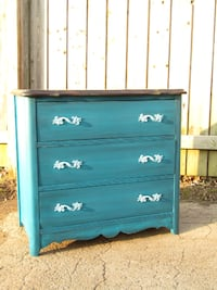 Cute Little French Provincial 3 Drawer Night Stand/Dresser 80.00