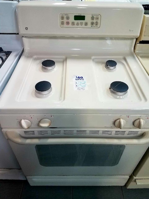 Used ge eterna series cream colored gas stove for sale in eastpointe ge eterna series cream colored gas stove publicscrutiny Gallery