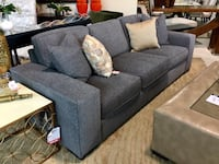 Sofa Thomasville  (NEW)