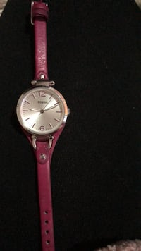 round gold-colored analog watch with pink leather strap Hamilton, L9C 2V2